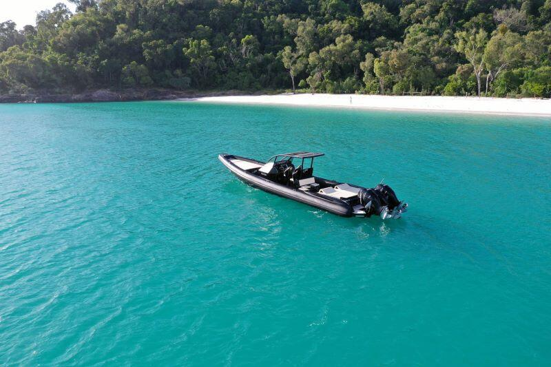 venom speed boat fast boat adrenaline high speed adventure whitsunday